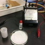 化学電池でイオン化傾向を調べる実験
