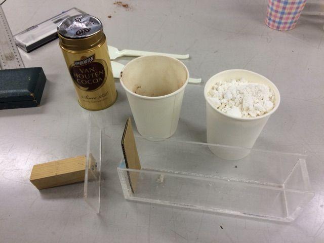 小麦粉とココアパウダーを使った断層観察実験