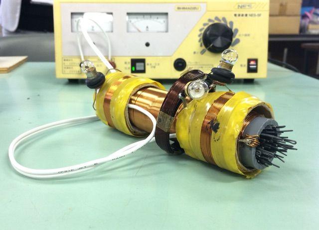 電磁誘導で独立した回路に電流を流す