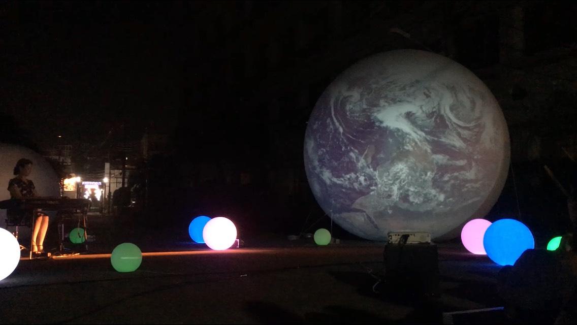 惑星と音楽と光のショー