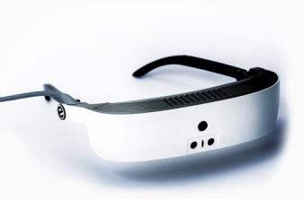 視覚障害者のためのスマートグラス「イーサイトマイグラス」が素晴らしい。