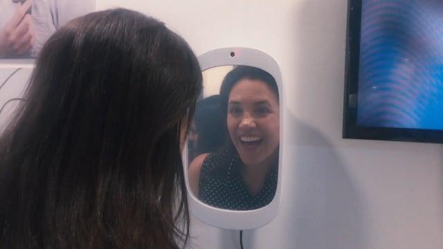 職員室に置きたい!笑うと鏡になる「Smile Miller」
