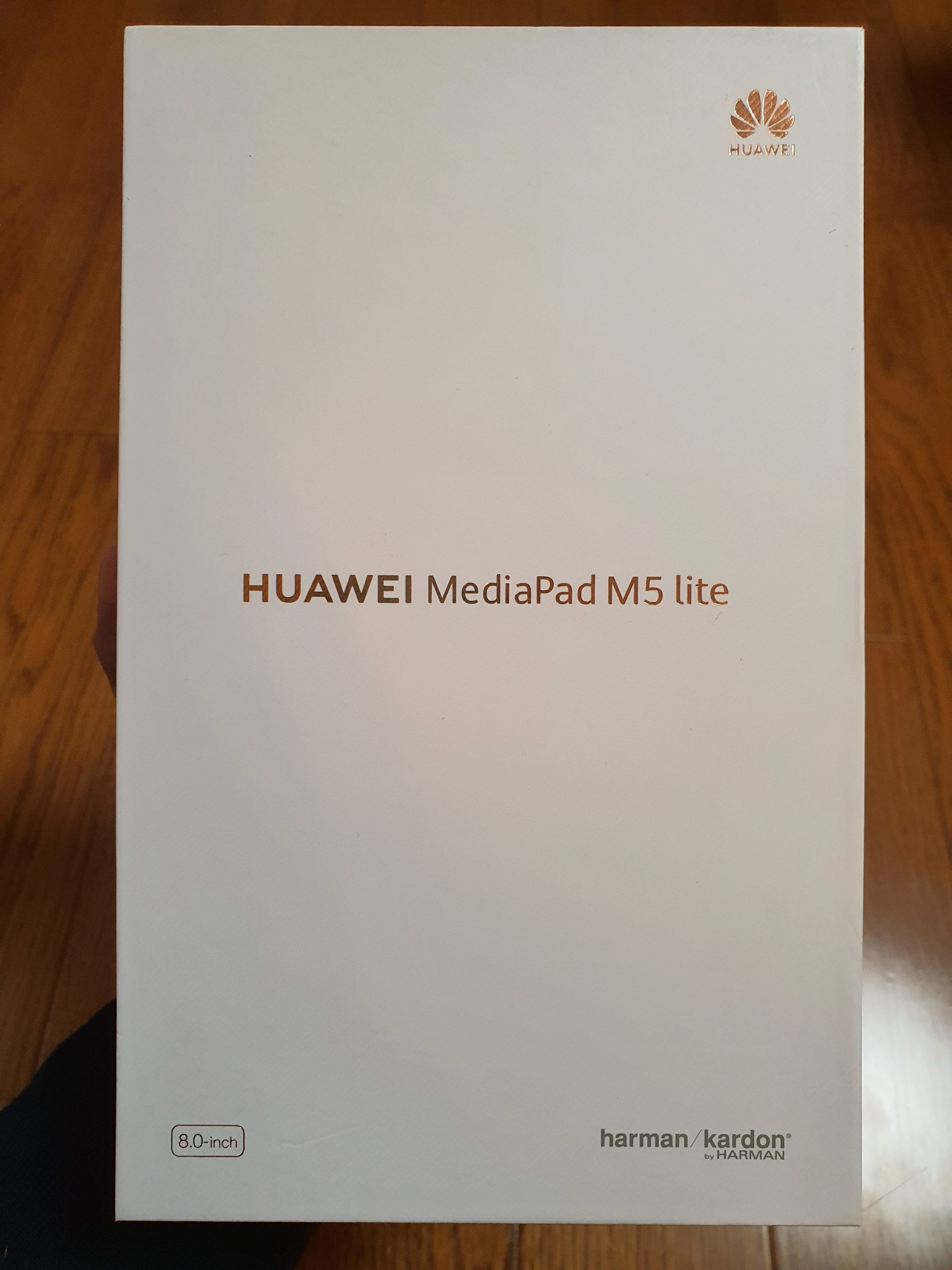 Huawei MediaPadM5 lite (lte)を買いました♪
