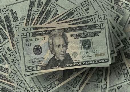 20ドル札を生徒の前でグシャグシャにした先生が伝えたかったこと