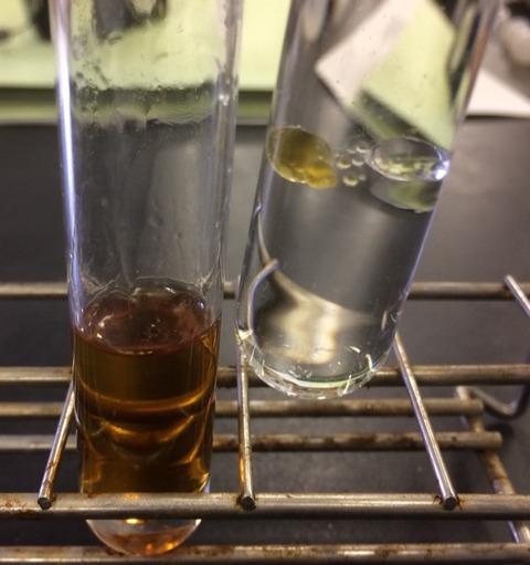 水と油とエタノール、密度の違いがわかる実験